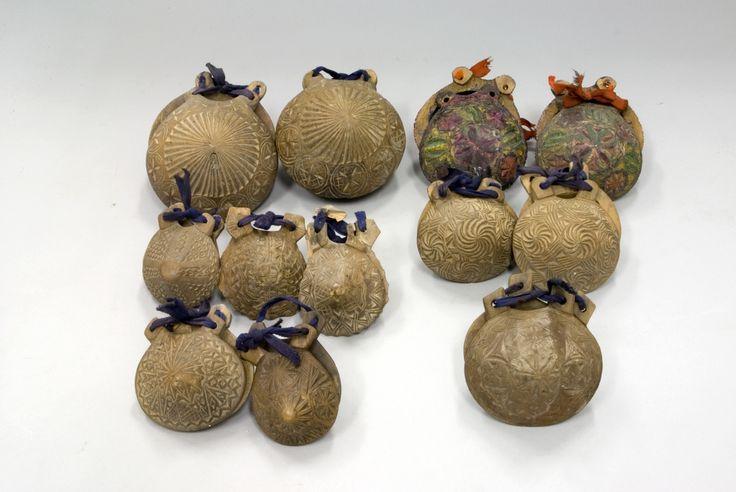 12 castañuelas de tradición popular. #Conchas #Madera #Música #Instrumentos #MNAD