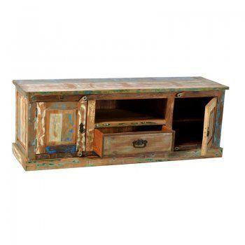 Een TV kast van sloophout.Kijk wel eerst goed of deze kast wel in uw interieur past.De opallende kast is van het merk Lavis