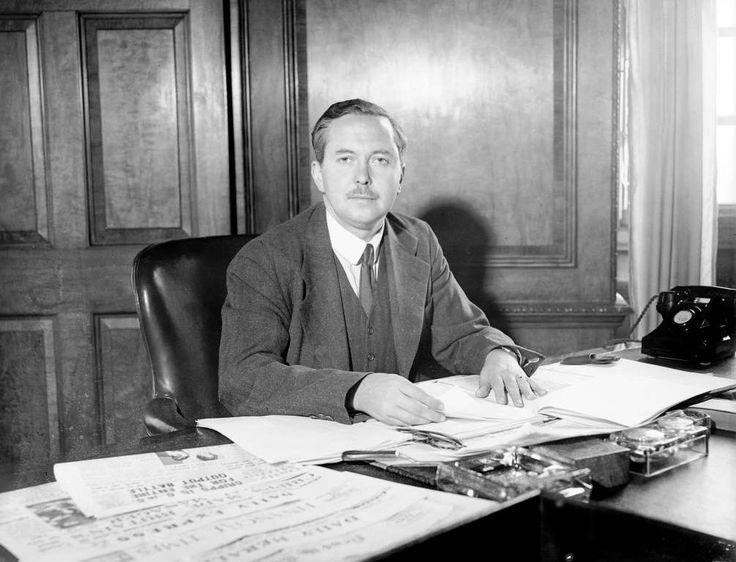 Una semana es mucho tiempo en política. Harold Wilson (1916–95) estadista laborista y primer ministro británico (1964–70, 1974–6).