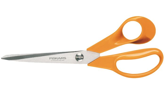 Fiskars Classic General purpose scissors. Ψαλίδι fiskars φιλανδίας κοπής υφασμάτων. Διαθέτει λεπτές και αιχμηρές λεπίδες ιδανικό για λεπτομέρειες και ακριβείς κοπές. Υψηλής ποιότητας ανοξείδωτο ατσάλι. Μέγεθος: 21cm