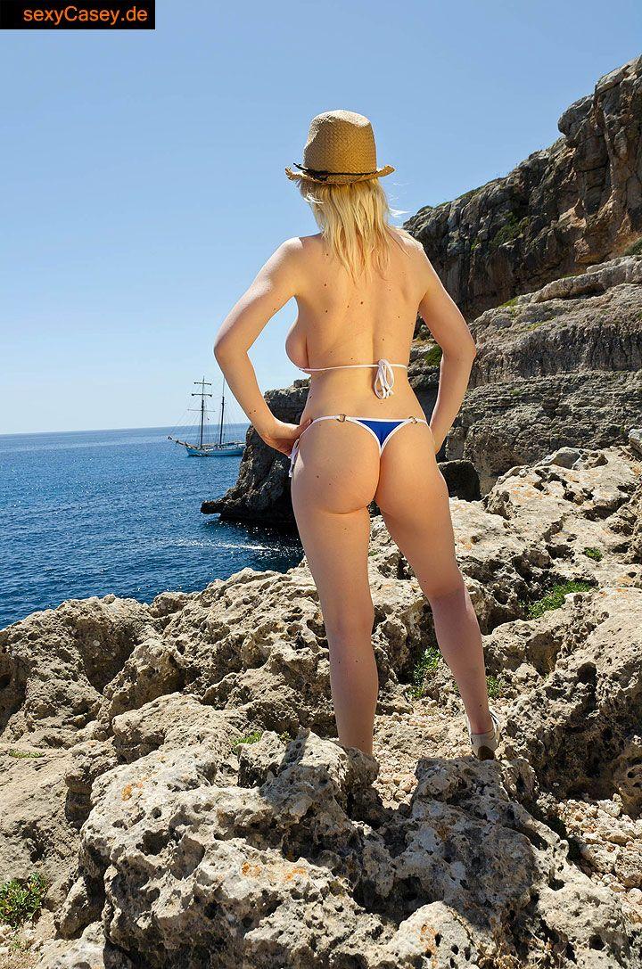 Casey deluxe mallorca 2014 im saxini bikini
