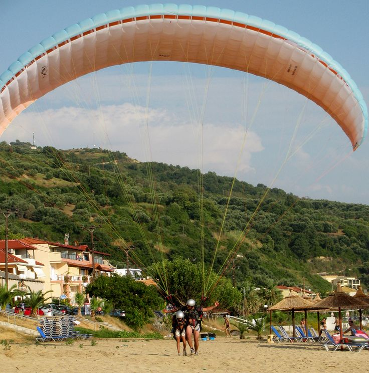 Paragliding: Flying a slope parachute | A Greek Adventure