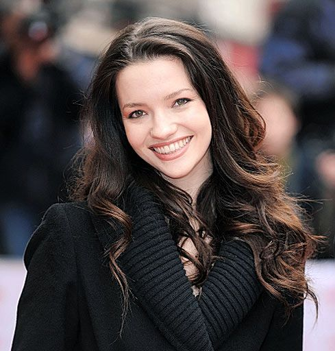 Talulah Riley-- she looks like what I think Vanessa should look like; she just needs to have more moles
