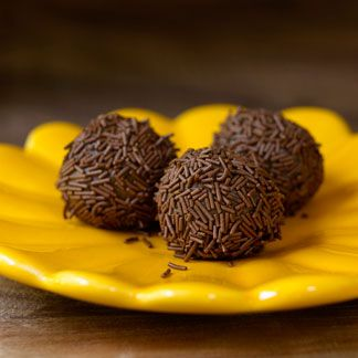 #Chocolate #Brigadeiros #food #healthy #happy #happyness #comida #tasty #italian #cook #cooking #chef #cuccina #cozinhar #receitas #recepies #eat #eating #dinner #lunch #breakfast #sweet #candy