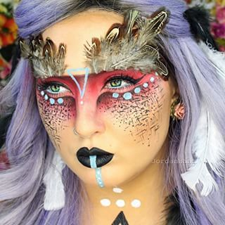 Or maybe you're more into ~magical~ vibes. | People Are Freaking Out Over This Woman's Insane Makeup Transformations