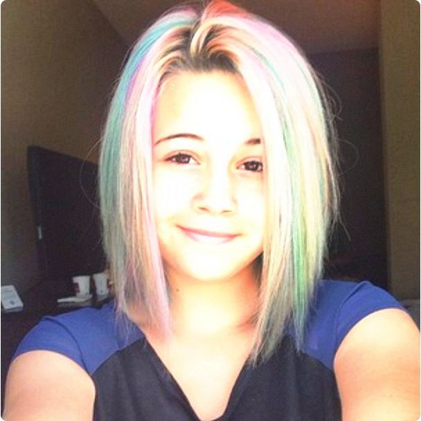 Beatrice Miller. I want my hair like this!
