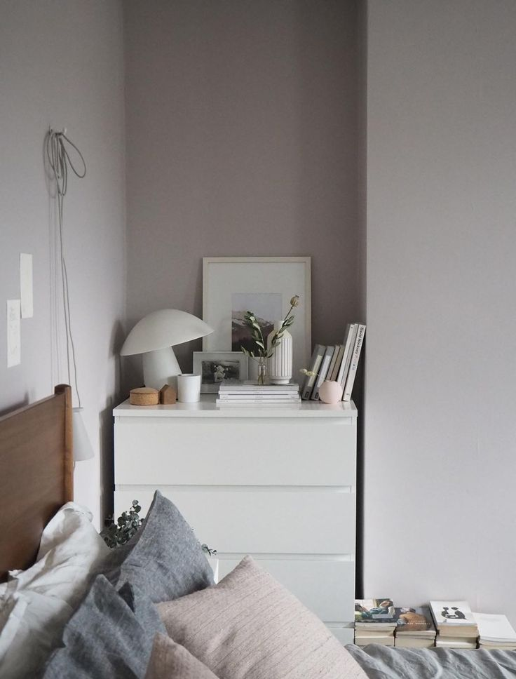 Soft blush pink bedroom reveal BEFORE