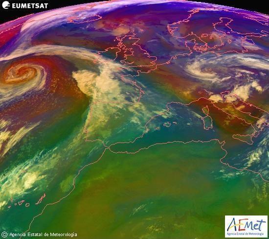 Composición RGB en la que se mezclan varios canales del satélite Meteosat-9, que nos da una idea de las características de las masas de aire y de la nubosidad.martes, 18 noviembre 2014 a las 22:00