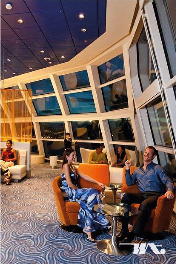 Malam hari di atas kapal pesiar saatnya Anda menikmati keindahan langit yang dihiasi bintang. Sky Observation Lounge, bisa menjadi tempat Anda bersama pasangan menghabiskan waktu dengan mengobrol sambil mendengarkan alunan musik serta menikmati pemandangan dari jendela-jendela besar yang mengelilingi area ini