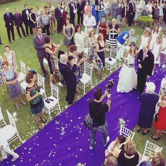 En la ultima #boda que grabamos incluimos un #drone y el resultado es espectacular!  Para más info: www.cineglow.es