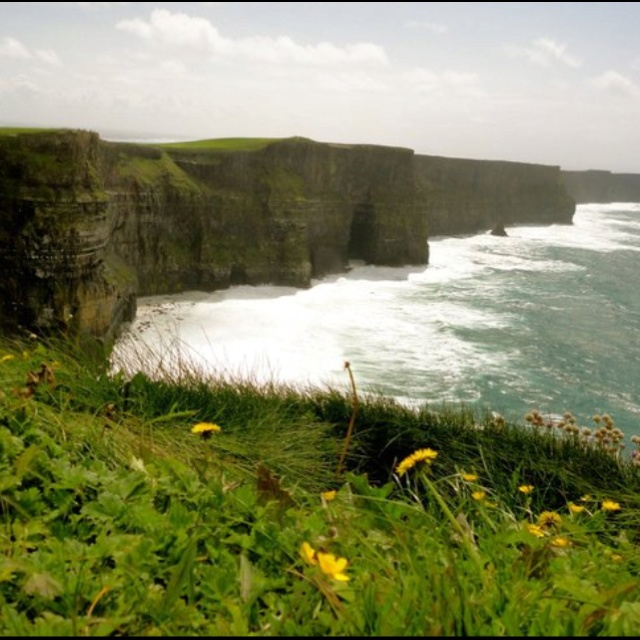 Cliffs of moher, Ireland. Miss this place..Buckets Lists, European Buckets, Cliffs Of Moher, Emeralds Isle, Cliff Of Moher