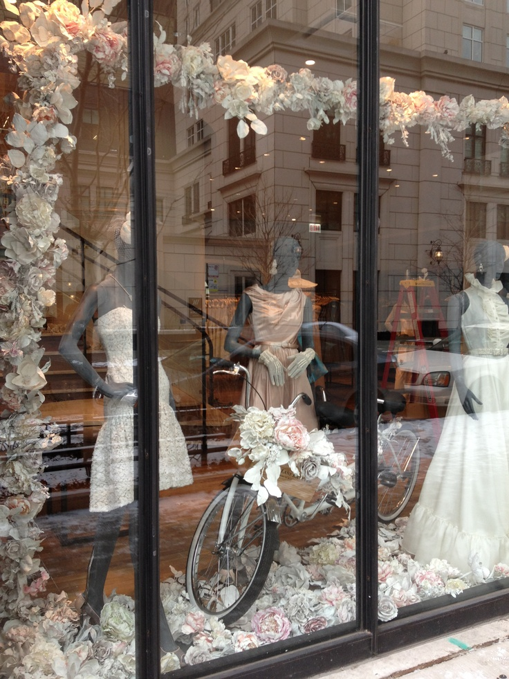 Best 25 spring window display ideas on pinterest for Boutique window display ideas
