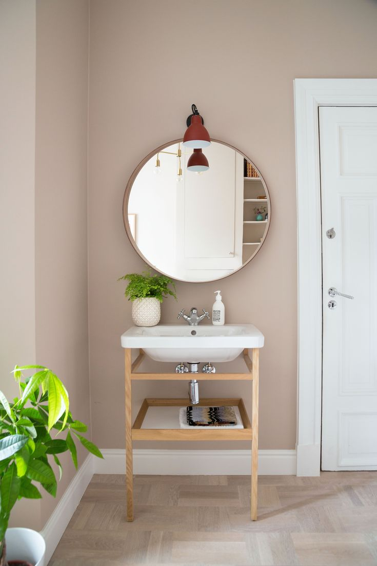 Guestroom, small sink, details, Rikkes Room