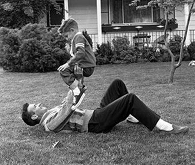 I should wrestle with kids moreArt Of Manliness, Theartofmanliness Com, Families Revival, Relationships Families, Moving Articles, Baby Ideas, Lost Art, Everyday Kids, Relationships Stuff