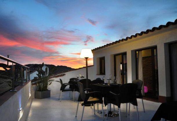 En la planta de arriba, el restaurante tiene una vista panorámica donde los comensales pueden disfrutar de maravillosas vistas como son la Plaza Grande de Zafra y al Castellar.