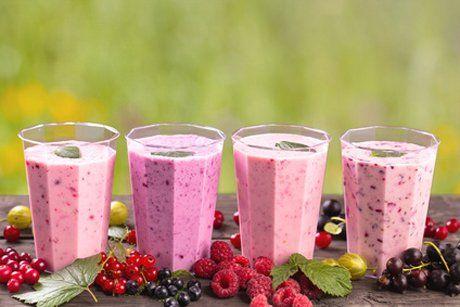 Fruchtig, süß und erfrischend schmeckt der Wald- und Himbeershake. Ein Rezept das Sie probieren sollten.