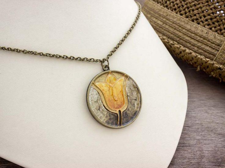 Festett aranyló tulipán nagy nyaklánc
