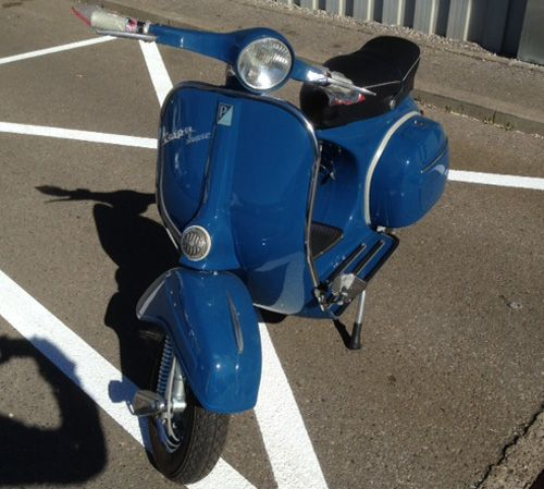Vespa Sprint Lackierung RAL 5001 Gruenblau