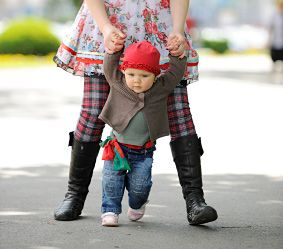 Baby's first steps: walking in grown up shoes | Forbaby.co.nz