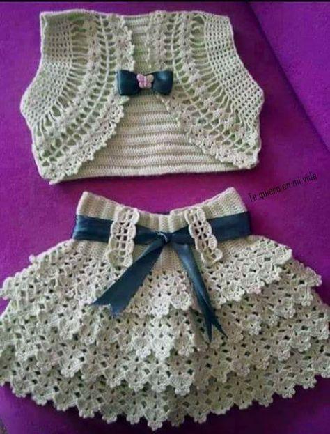 Conjunto em crochê (colete e saia)