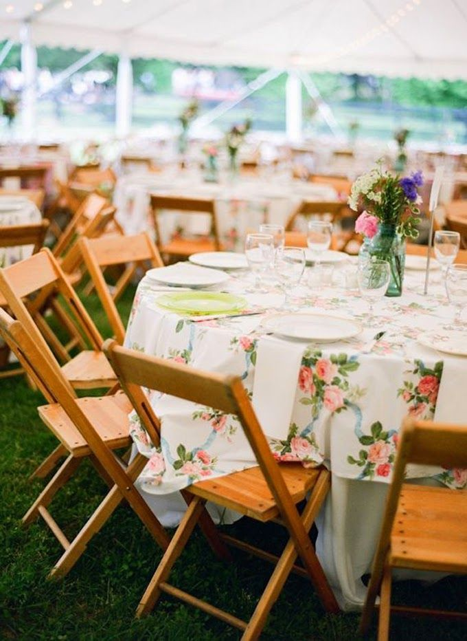 10 country chic and rustic wedding tablescapes - patterned tablecloths #weddingdecor #wedding