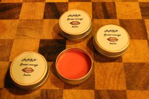 Make your own lip balm - easy, quick and delicious!