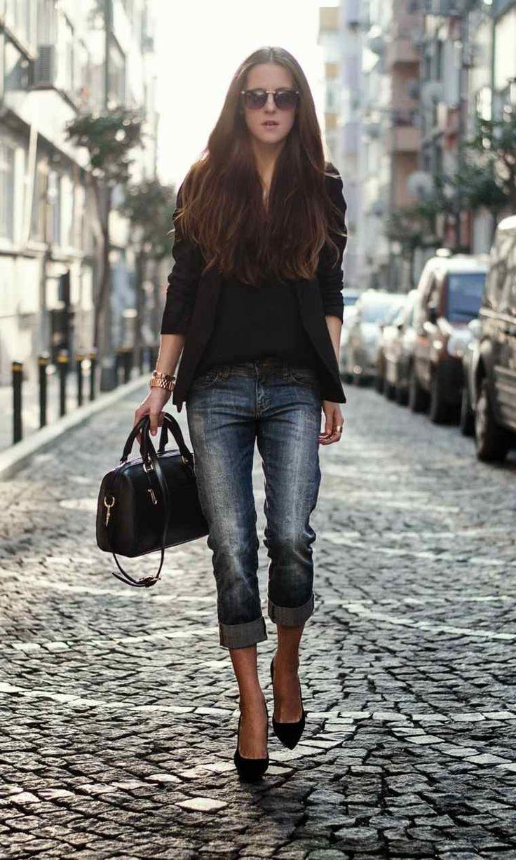 Veste noire et un jean
