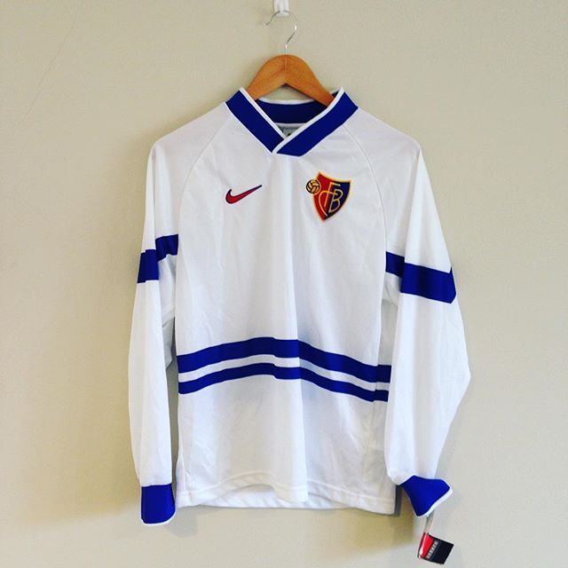 Vintage Nike fc Basel away shirt, long sleeved from 1998/99...brand new with tags! Link in bio #fcbasel #basel #switzerland #swissfootball #football #footballshirt #nike #retro #retronike #retrofootball #retroshirt #vintage #vintageshirt #vintagefootball #classickit #classicfootball #90s #90svintage #90sfootball #europeanfootball #soccer #soccerjersey