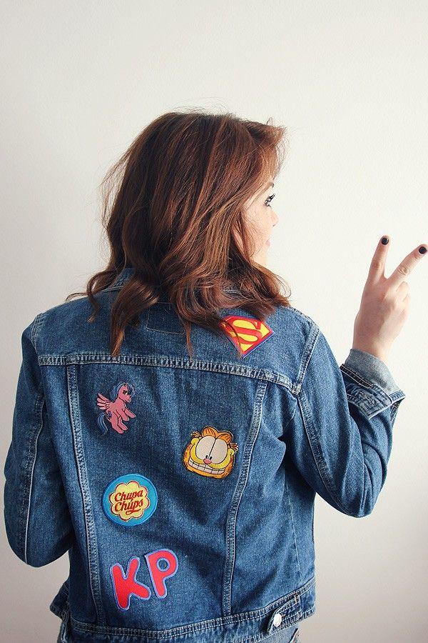 Jaqueta jeans com patches.