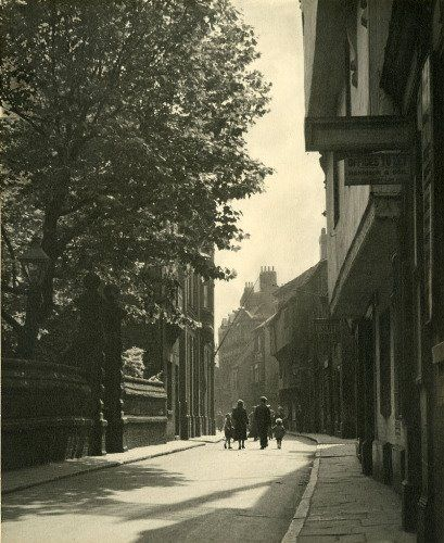 High street Wilberforce house on left