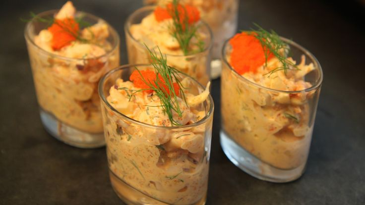Reker, krabbe, krepsehaler eller kongekrabbe passer alle i Lise Finckenhagens skalldyrrøre. Velg selv hvilken variant du vil lage.