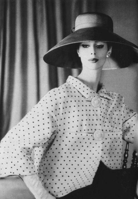 Balenciaga, 1950's. Hoofddeksel
