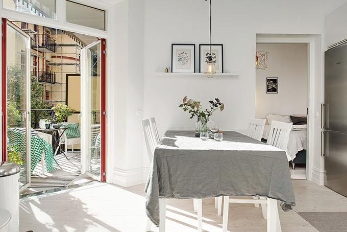 Mezcla de estilos low cost y toques de cobre para una casa perfecta