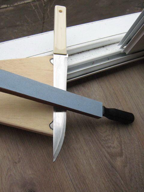 Простая самодельная точилка для ножей