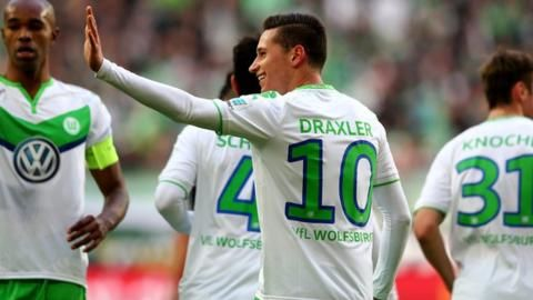 KAA Gent v VfL Wolfsburg