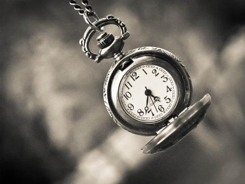 La nozione del tempo. Molto personale.  Lewis Carroll Alice: Per quanto tempo è per sempre? Bianconiglio: A volte, solo un secondo. (Lewis Carroll) Una quotidiana pillola di saggezza o una perla di ironia per iniziare bene la giornata…