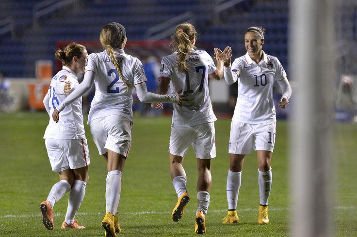 Meghan Klingenberg, Sydney Leroux, Tobin Heath and Carli Lloud, vs.Guatemala, Oct. 17, 2014. (U.S. Soccer)