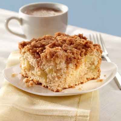 This streusel-topped cinnamon apple coffee cake is a sweet and fruity delight that's easy to make!