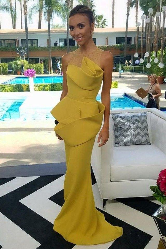 Giuliana Rancic wearing  Azzi