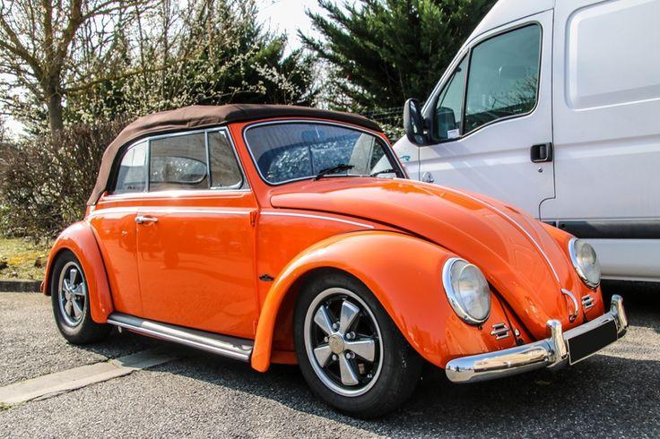 les 79 meilleures images du tableau cabriolet vintage sur pinterest voitures anciennes. Black Bedroom Furniture Sets. Home Design Ideas