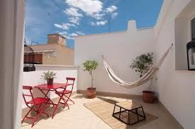 Tiempo de terraza, tiempo de hamaca! http://hamacamania.com/hamacas-dobles/105-hamaca-colgante-barbados-natura-4030454001724.html