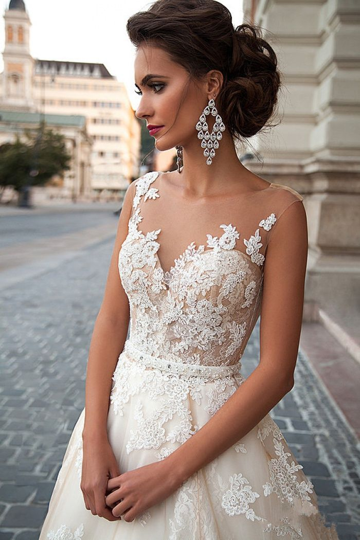 2018 A Line Light Champagne Wedding Dresses Lace Sheer Tulle