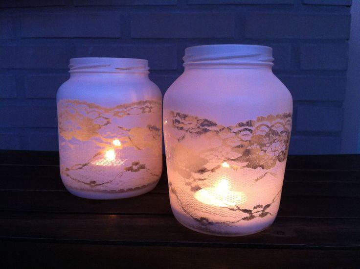 DIY: romantisches Windlicht aus Gläsern selbermachen   Spitzenmotiv