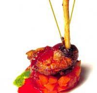 Muslo de faisán con flan de frutas tropicales salteadas con azúcar moreno - Cocina extremeña. Gastronomía de Extremadura - RedExtremadura.com