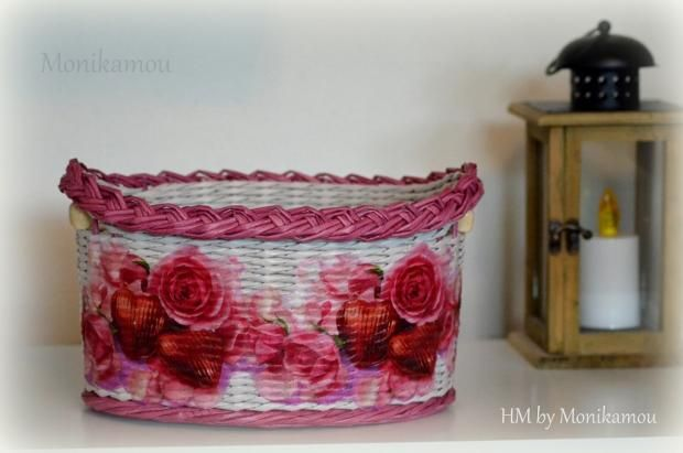 Papierový košík s ružami. Autorka: monikamou. Papierové pletenie, paplet, pletenie z papiera, košík, kôš. Artmama.sk