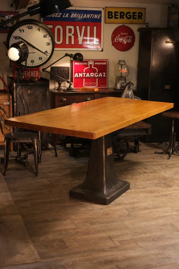 Meuble industriel table haute ancien pied en fonte de for Table haute industrielle