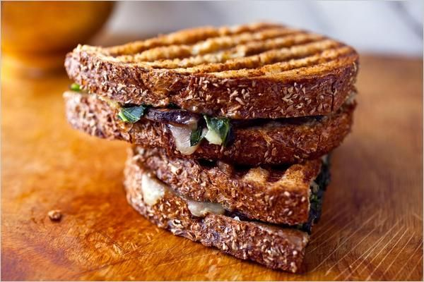 Greens and Mushroom Panini - NYTimes.com: Ever since I talked to Ben about his panini grill, I haven't been able to get pressed sandwiches off my mind.  This one in the NY times looks so good!: Eating Well, Delicious Paninis, Savory Food, Green Mushrooms, Healthy Recipes, Gruyer Paninis, Vegetarian Recipes, Mushrooms Paninis, Cooking In