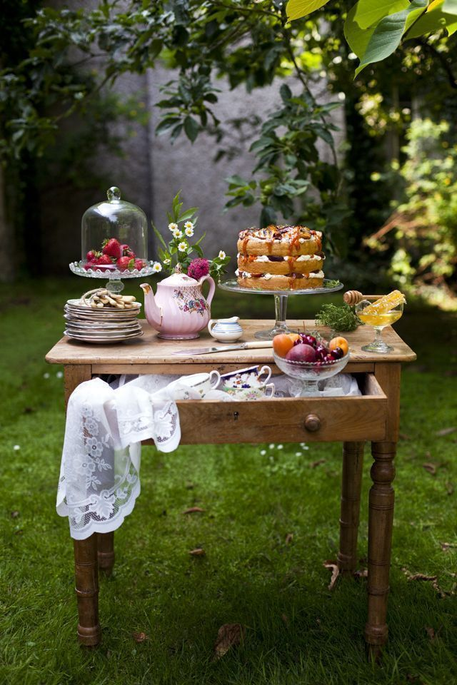 1000 images about tea table on pinterest vintage table for Kitchen tea table setting ideas