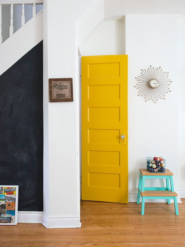 Colorful Doors Not ready to commit to a fully-painted room? Start small by giving your door a fresh coat of color. Brightly-colored front doors instantly make your home feel more welcoming, and inside a vibrant door set against whitewashed walls makes a bold statement.