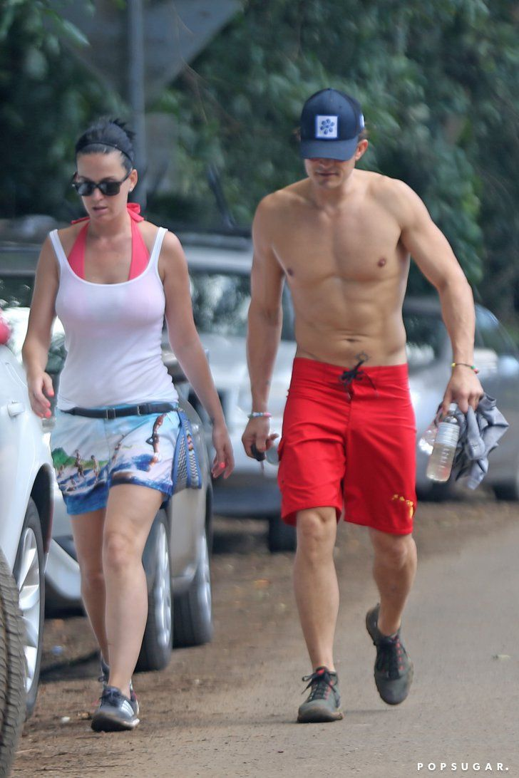 Pin for Later: Katy Perry Shows Off Her Bikini Body While Holding Hands With Orlando Bloom